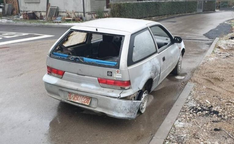 I ovo je BiH: Vozio automobil bez točkova i volana